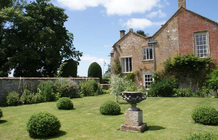 The Gardens at Midelney Manor